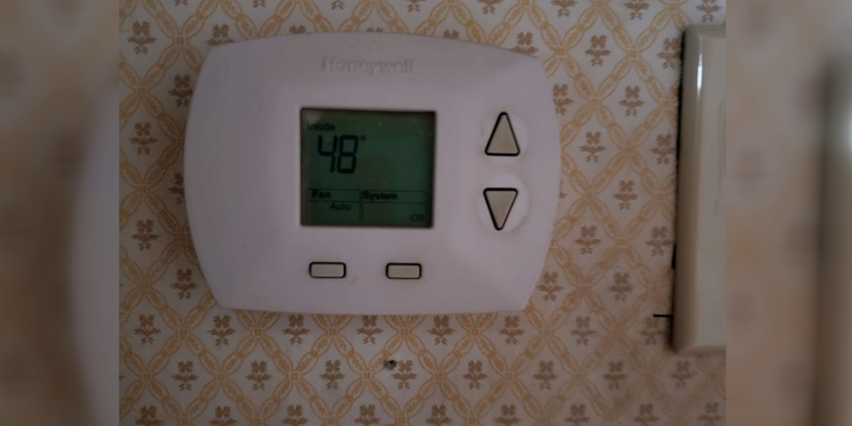 East Texas family stays in one room to keep warm without power
