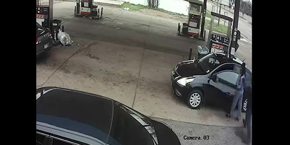 Woman fiercely fights off would-be kidnapper