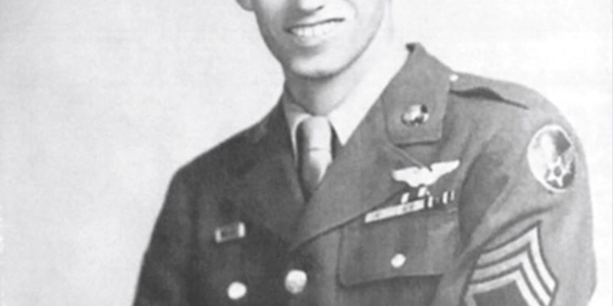 Eighth AF command honors WWII vet during its 75th Anniversary