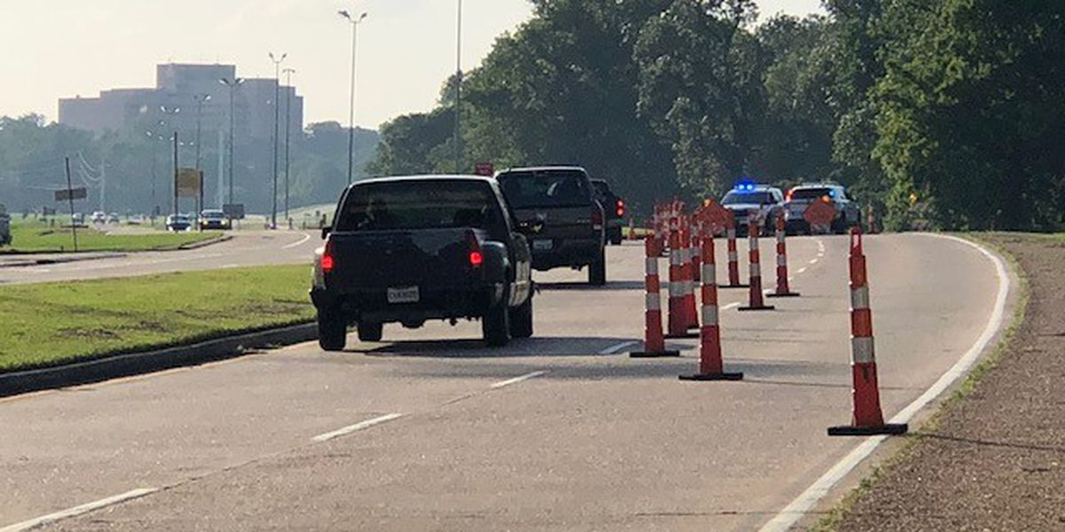 TRAFFIC ALERT: Workers shut down part of Shreveport parkway