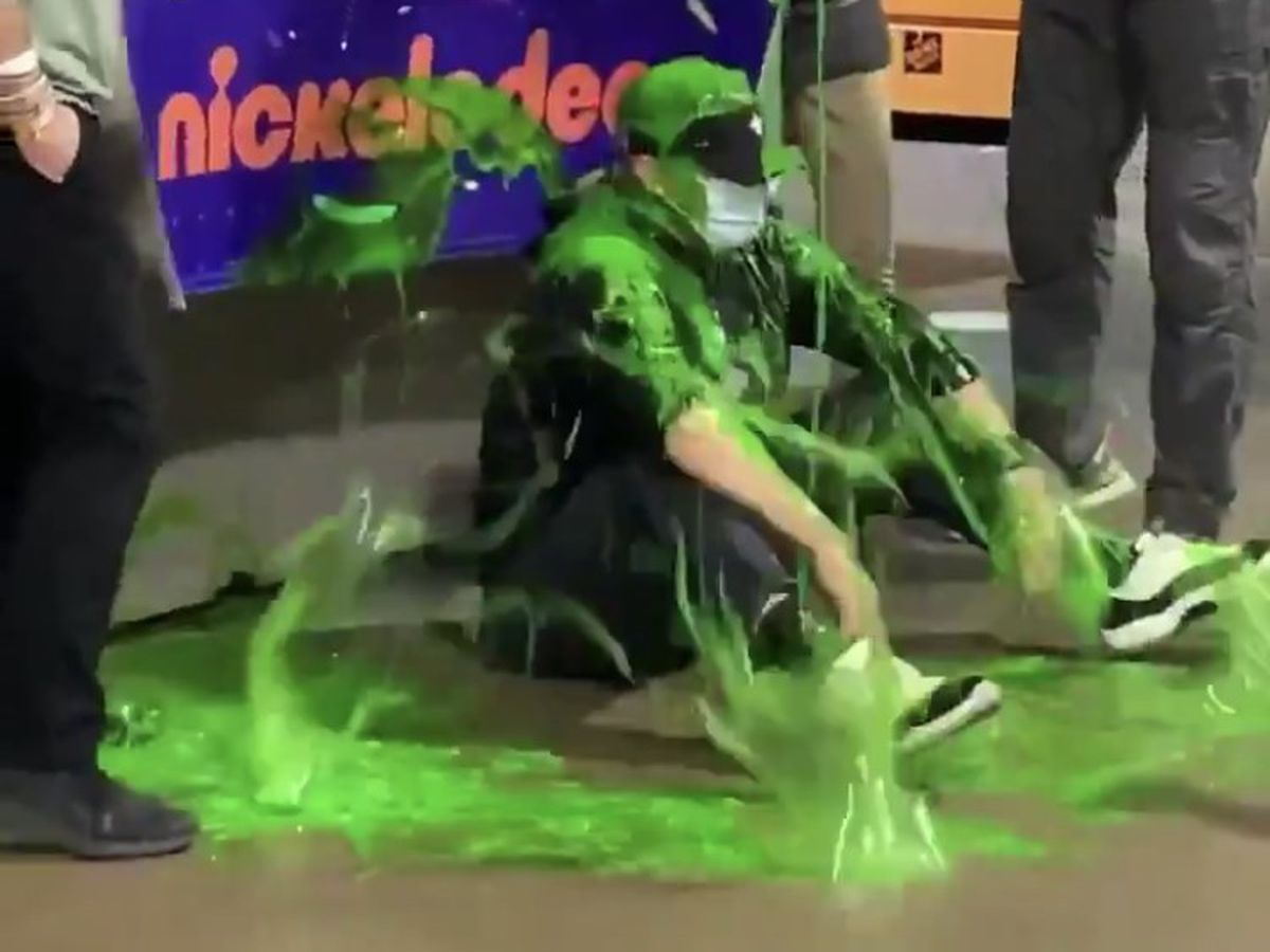 """Coach Payton gets """"slimed"""" after Saints beat the Bears"""