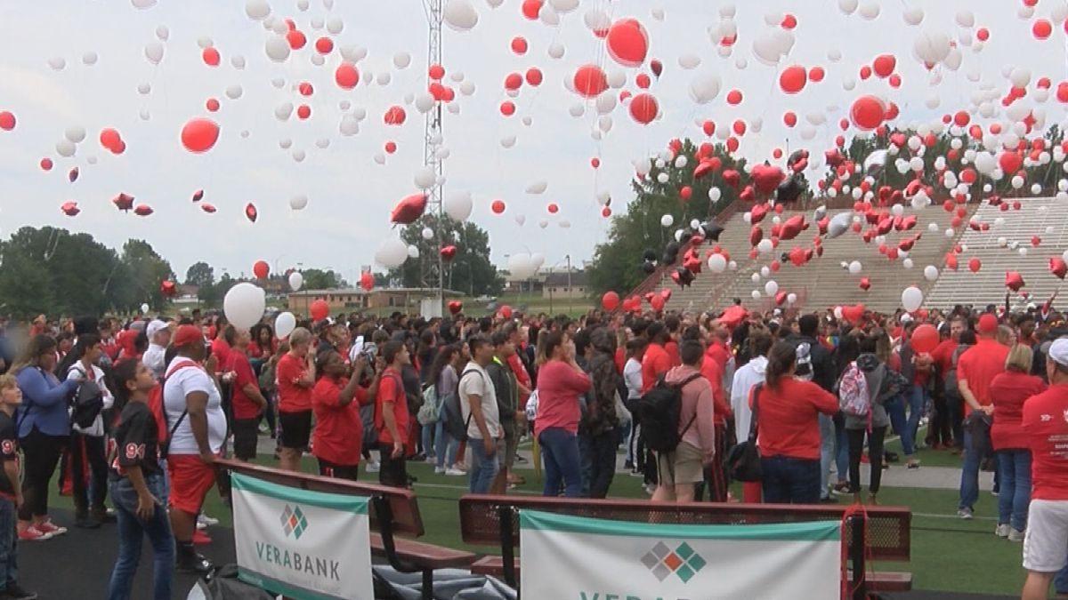 Marshall ISD unleashes a sea of red, white for Hayden
