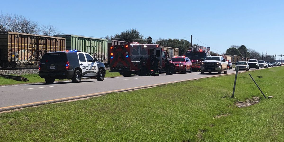 Pedestrian hit by train in Bossier City; Barksdale Boulevard reopened
