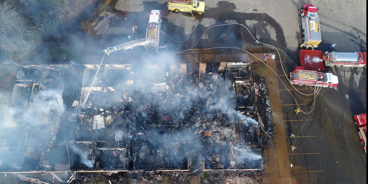 Blaze destroys building at ArkLaTex apartment complex