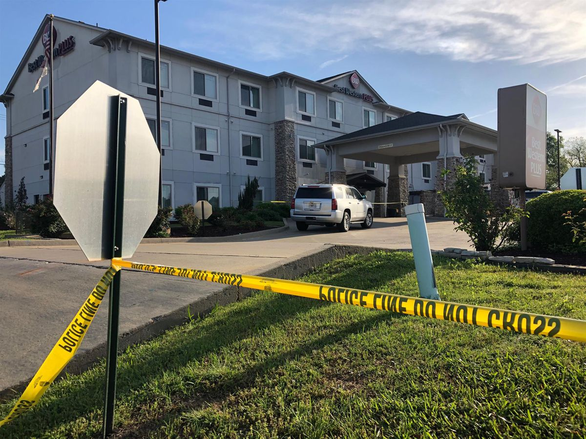Woman dead, man injured in double shooting at Mansfield hotel