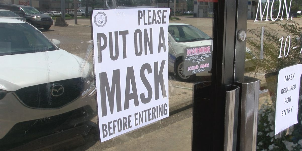 Judge grants temporarily hold on mask mandate