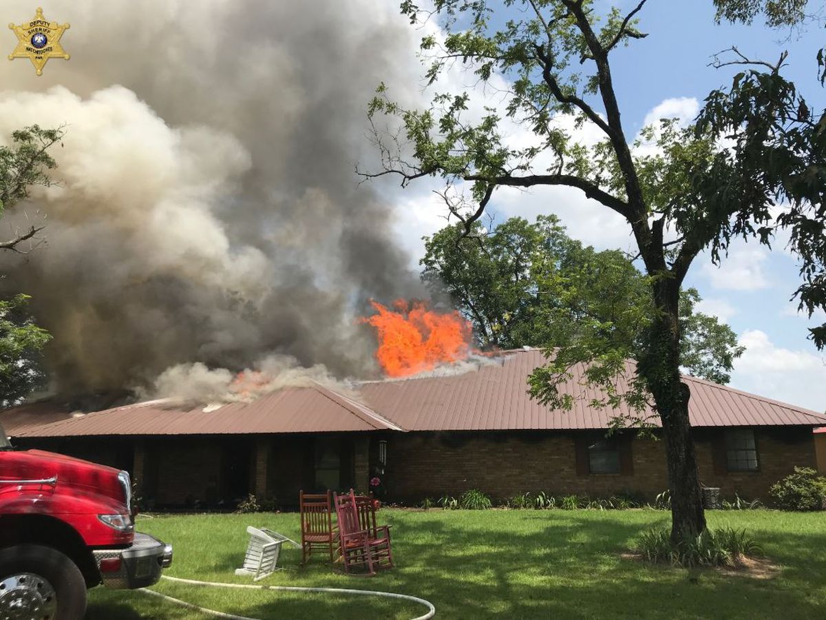 Natchitoches, Red River firefighters battle house fire