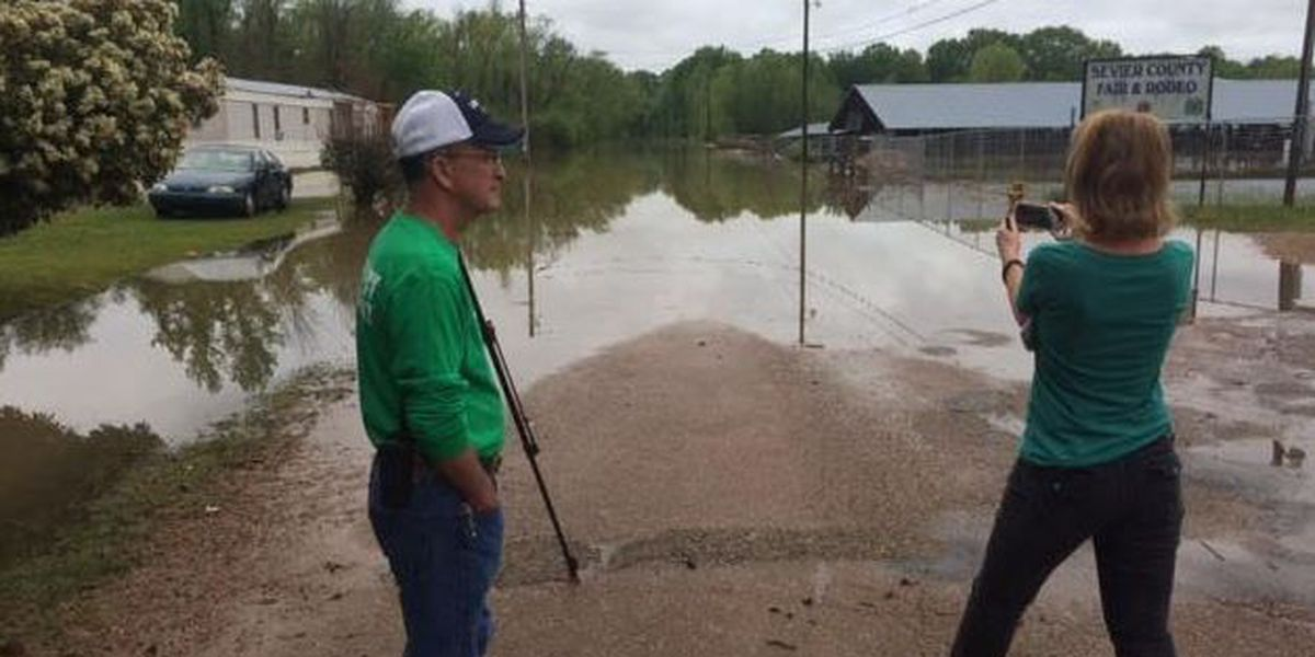 Flooding drives DeQueen, AR, residents from their homes
