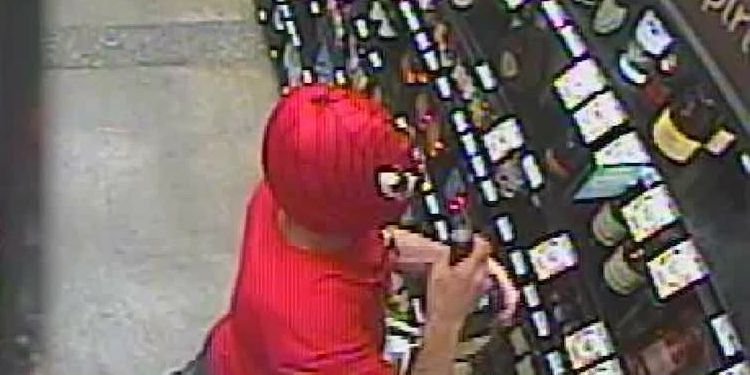 Florida man dons Spider-Man mask during liquor store burglary