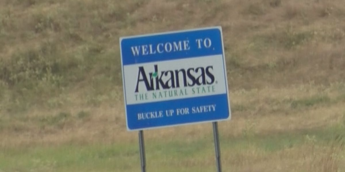 Arkansas voters approve minimum wage hike