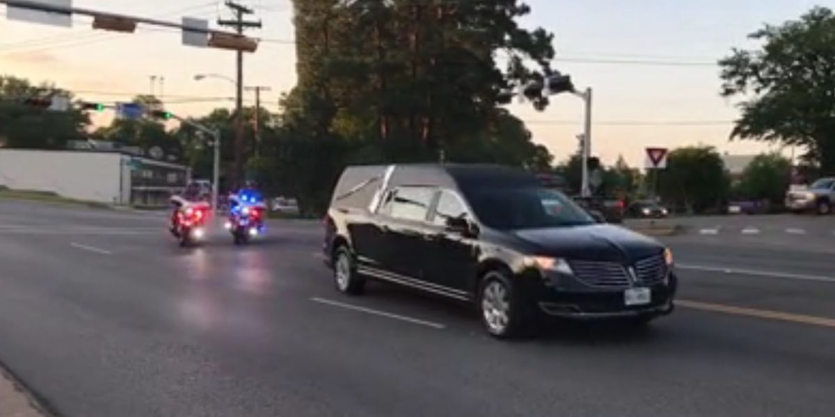 VIDEO: Processional of dozens of law enforcement vehicles lead Alto police officer to funeral home