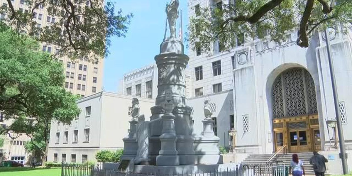 Vote to keep or remove confederate monument back in front of Caddo commission