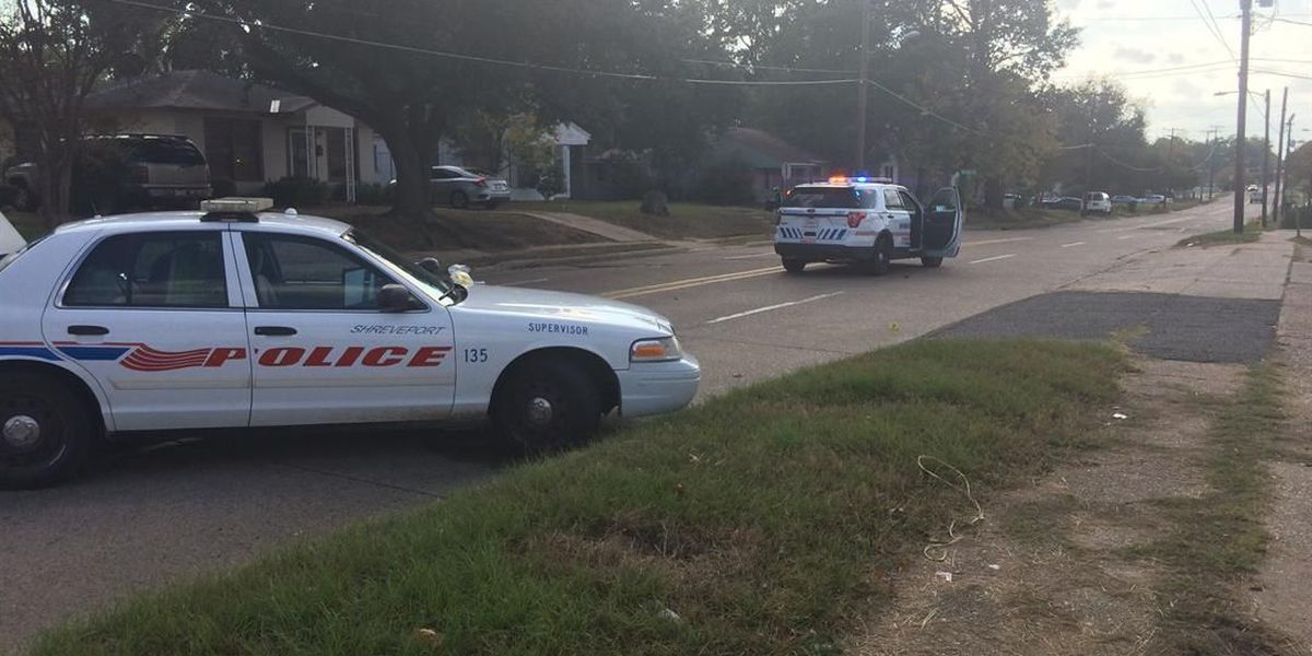 Man wounded in a leg, another in a hand in separate shootings
