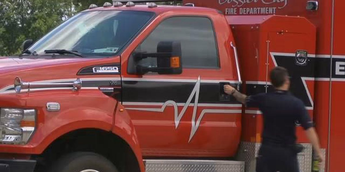 Bossier council agrees to hire 10 firefighters for 5th ambulance
