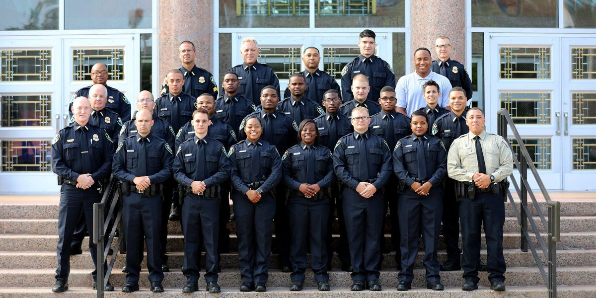 Shreveport police add 19 new officers to department