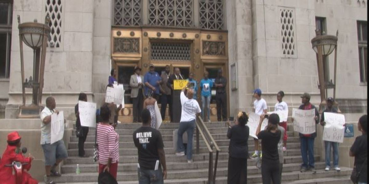 All lives matter rally draws a crowd