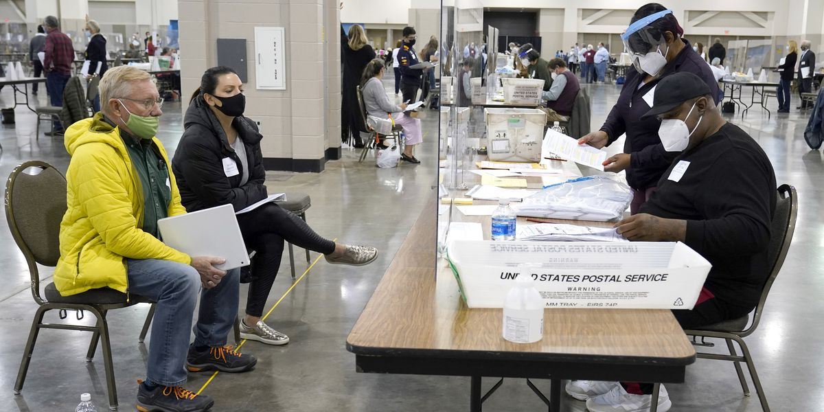 Wisconsin officials: Trump observers obstructing recount