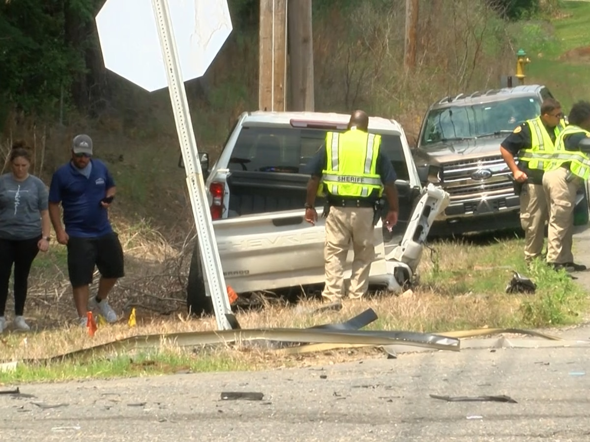 2 injured in wreck at troublesome south Shreveport intersection